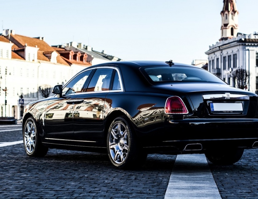 Rolls Royce Ghost nuoma
